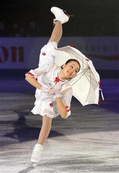 世界フィギュアで2年ぶりにキムヨナと対決する浅田真央.jpeg